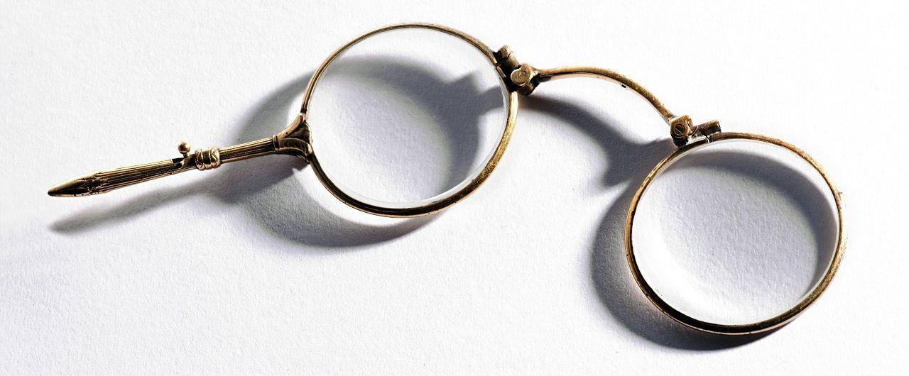 szemüveg története - lorgnette