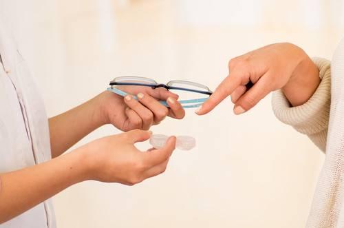 szemüveg vs. kontaktlencse