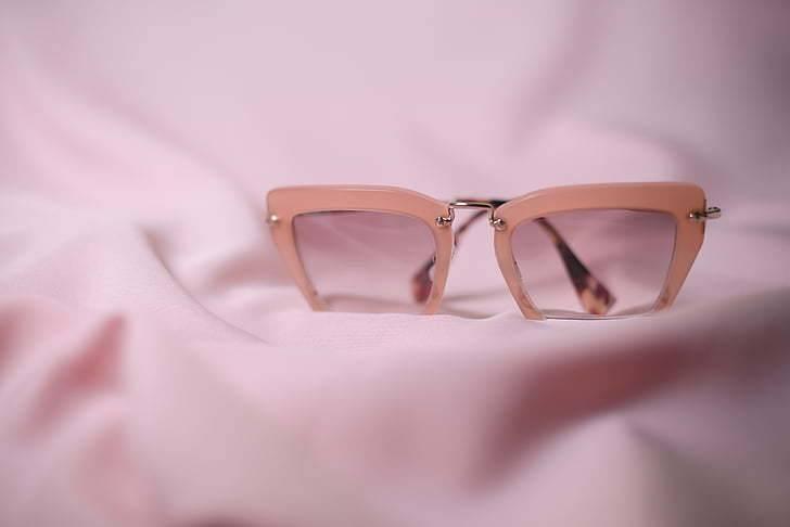 esküvői szemüveg