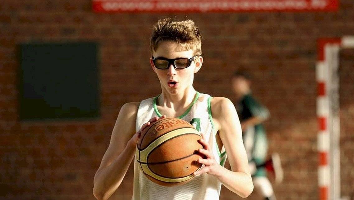 sportolás szemüvegesként